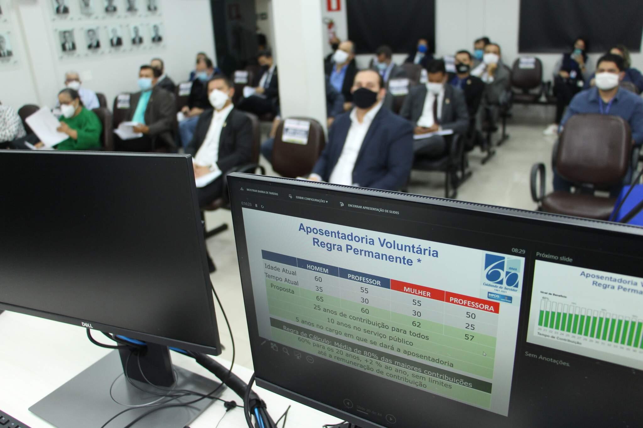 Minuta da reforma da previdência foi apresentada para os vereadores na última quinta-feira (Foto: Divulgação/Câmara de Vereadores)