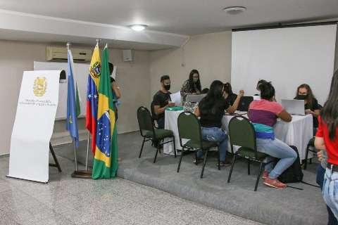 Venezuelanos atualizam documentos para regularizar situação em MS