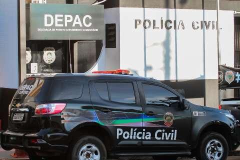 Jovem é preso em flagrante depois de espancar desconhecido no meio da rua