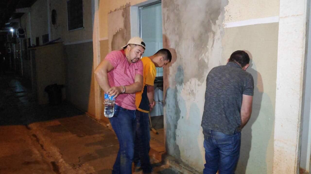 Identificados os presos em entreposto do barão da droga na fronteira