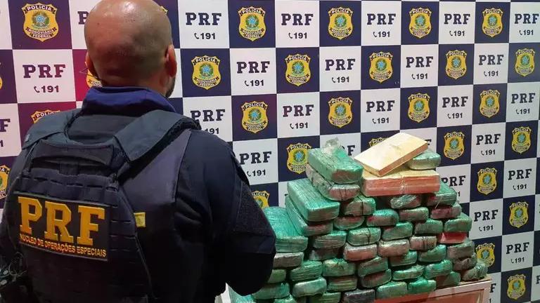 Tabletes das drogas que foram apreendidos pela PRF. (Foto: Divulgação   PRF)