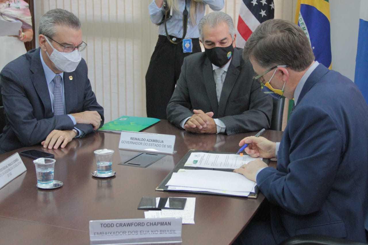 Assinatura do termo de cooperação para troca de informações e banco de dados referentes a segurança pública (Foto: Marcos Maluf)