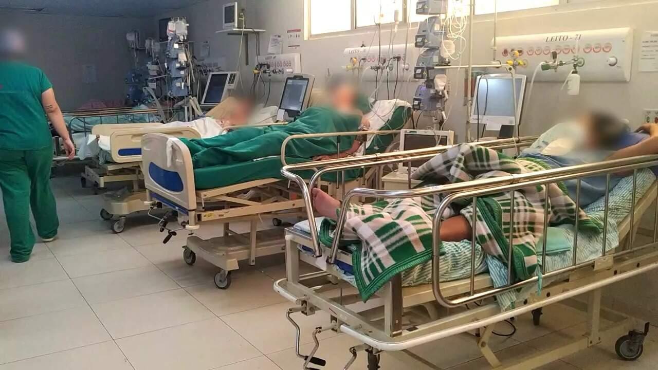 Pacientes internados no Hospital Regional de Mato Grosso do Sul, considerado referência nesse tipo de atendimento (Foto: Arquivo)