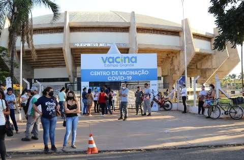 Guanandizão fecha portões da vacina uma hora antes do prazo