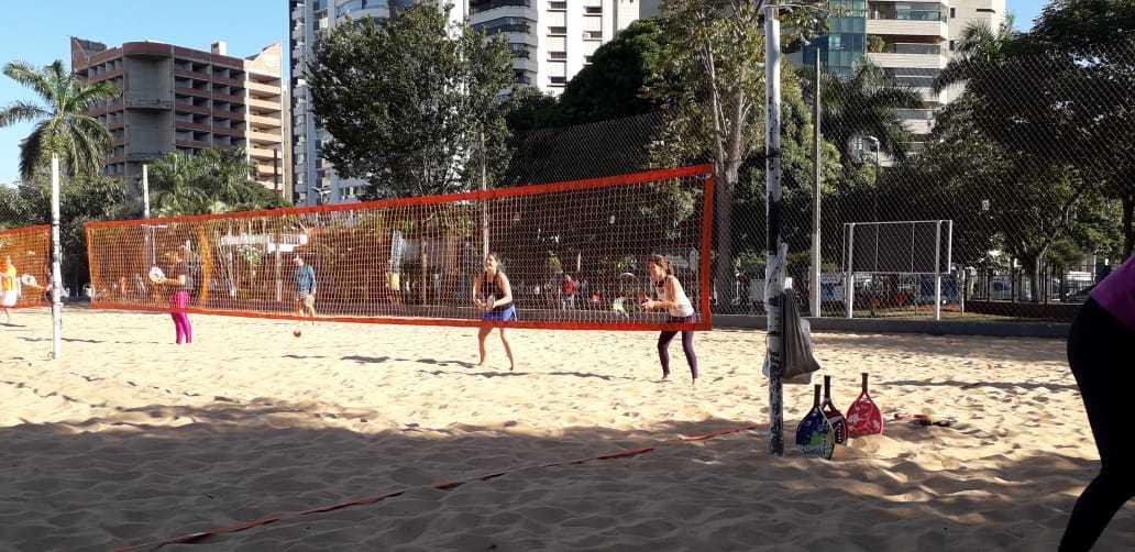 Esporte é ideal para quem está começando e quer experimentar algo novo. Areia é opcional. (Foto: Arquivo Pessoal Antônio Vieira)