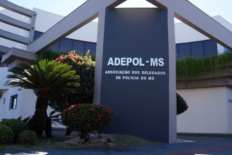 Fachada da sede da associação dos delegados, que terá eleição no dia 3 de julho. (Foto: Divulgação)