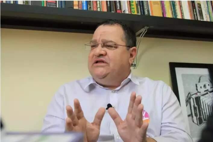 Prefeito de Ribas do Rio Pardo, João Alfredo (PSOL), em entrevista recente (Foto: Arquivo)