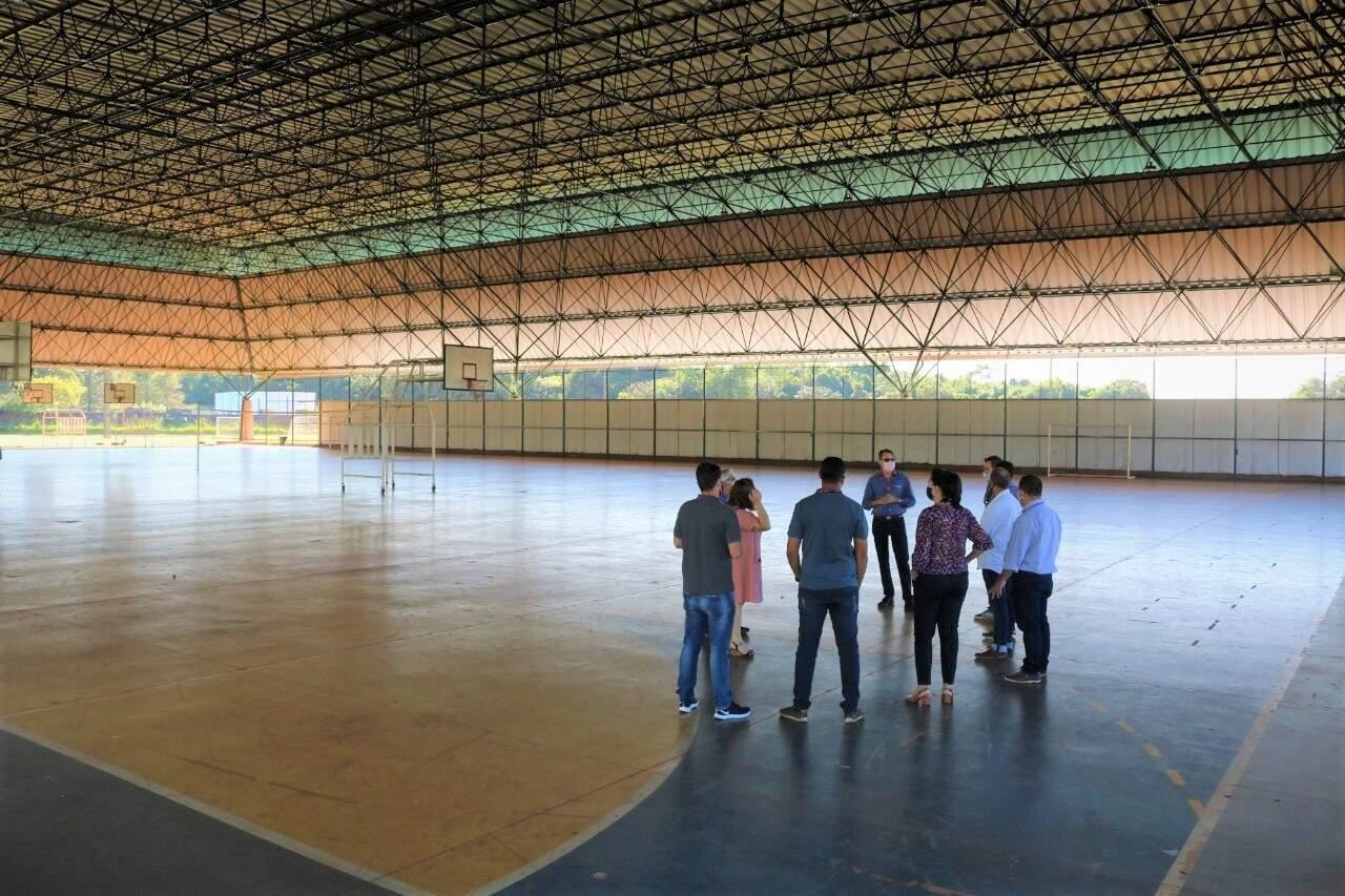 Visita dos técnicos da Sesau à UCDB no dia 10 de maio. (Foto: Divulgação | UCDB)
