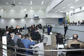 Vereadores durante sessão no plenário da Câmara (Foto: Divulgação)