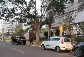 Policiais federais também estiveram em edifício no Carandá Bosque (Foto: PF/Divulgação)