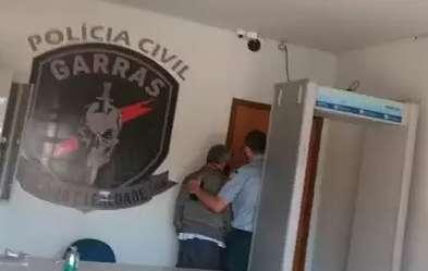 Além de ex-deputado, policial aposentado foi preso por extorsão