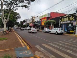 Avenida Marcelino Pires, uma das principai de Dourados, hoje de manhã (Foto: Adilson Domingos)