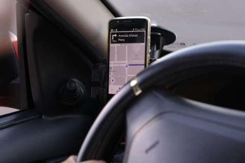 """Depois de """"agarrar"""" motorista de aplicativo, passageiro é amarrado e espancado"""