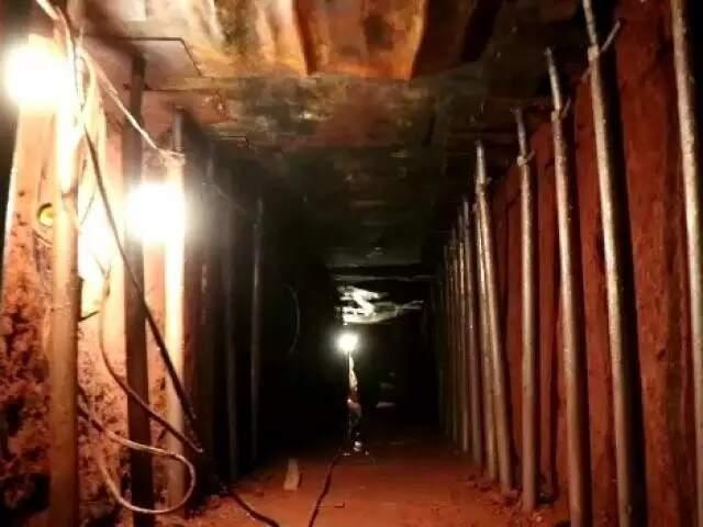 Tunel escavado por quadrilha para levar quantia milionária de banco, em dezembro de 2019. (Foto: Arquivo/Campo Grande News)