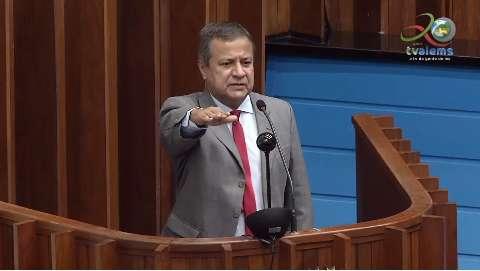 Amarildo Cruz toma posse na Assembleia Legislativa na primeira sessão de junho