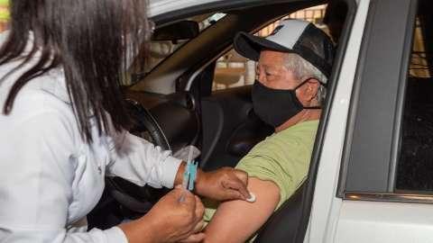 Vacinação contra covid inicia à tarde e será destinada a 7 grupos diferentes
