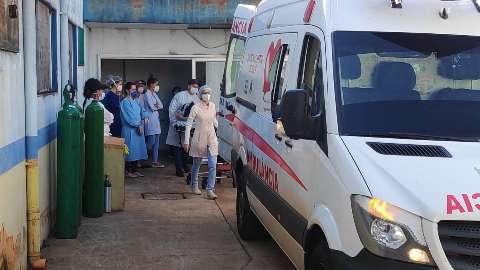 De ambulância, pacientes iniciam viagem rumo a leitos de UTI em Rondônia