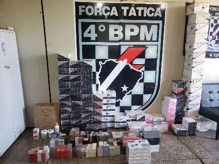 """Homem é detido com """"muamba"""" de cremes, cigarros e mais de 110 perfumes"""