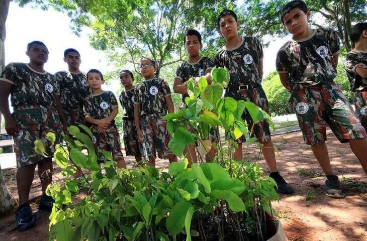 Arrecadação de alimentos será destinada a famílias carentes do Projeto Florestinha e Associação Amor Pela Vida (Foto: Divulgação/PMA)