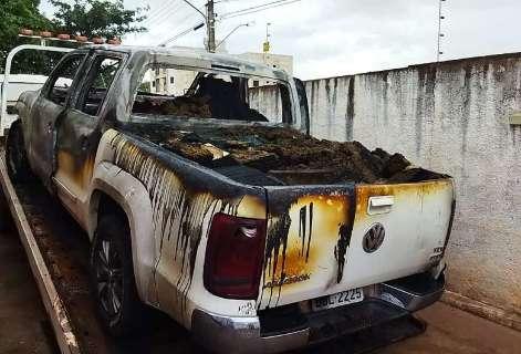 Picape é incendiada e abandonada com 1,2 tonelada de maconha