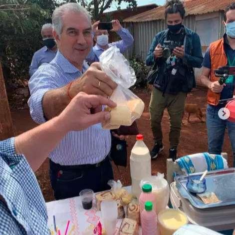 Chipa e café na estrada 'adoçam' recado de Reinaldo