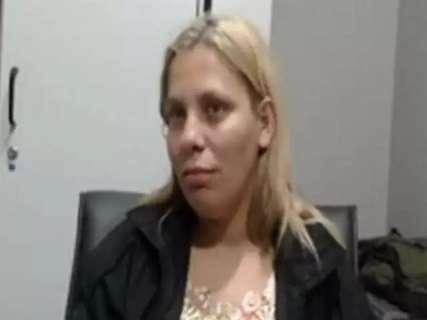 Mulher de pivô da Omertà é presa com imagens pornográficas de crianças