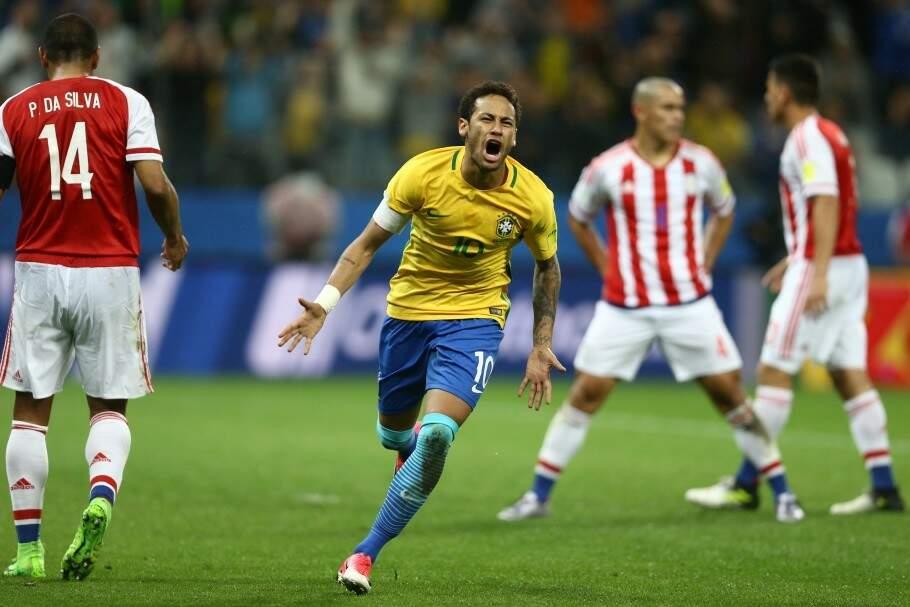 Neymar comemora gol no último encontro com Paraguai pelas Eliminatórias (Foto: CBF)