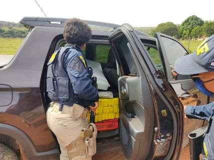 Traficante abandona picape com 1 tonelada de maconha durante perseguição