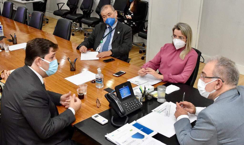 Rosana Leite participa de reunião em Brasília com Ministro da Saúde e Secretário da SAES (Foto Divulgação)