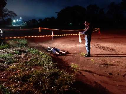 No segundo caso do dia, corpo é achado em área descampada de loteamento