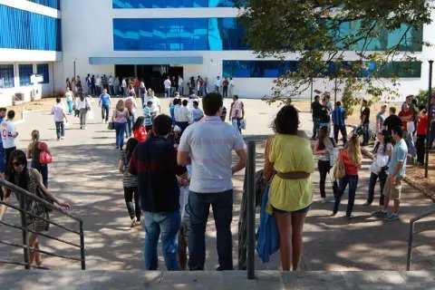 OAB mantém exame para domingo com entrada escalonada