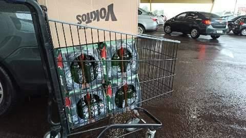 Mercados serão obrigados a lacrar gôndolas de bebidas alcóolicas, afirma Governo