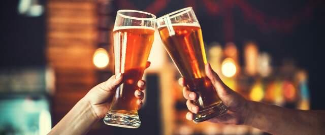 Brinde com cerveja vai continuar permitido em bandeira cinza.