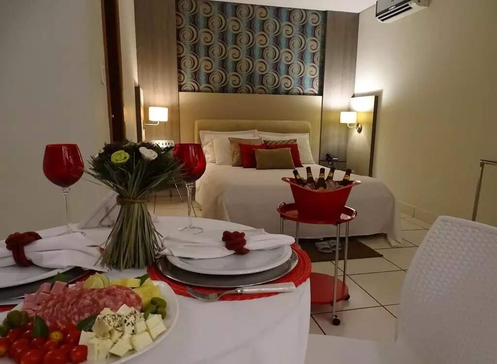 Pacotes em hotéis oferecem jantar a dois (Foto: Campo Grande News/Arquivo)