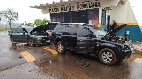 Fiat Toro e Pajero interceptadas em rodovia levavam 3 toneladas de maconha