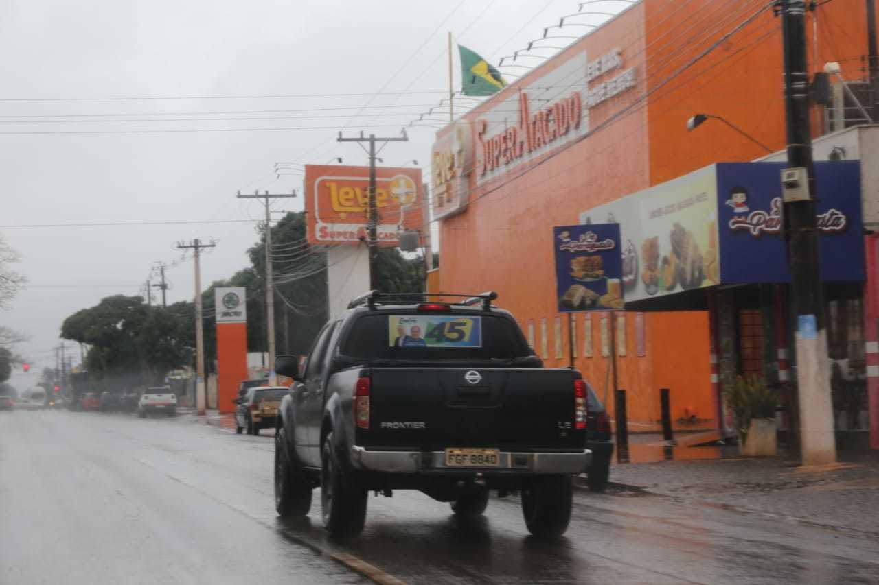 Raro flagrante de veículo adesivado nas ruas de Sidrolândia