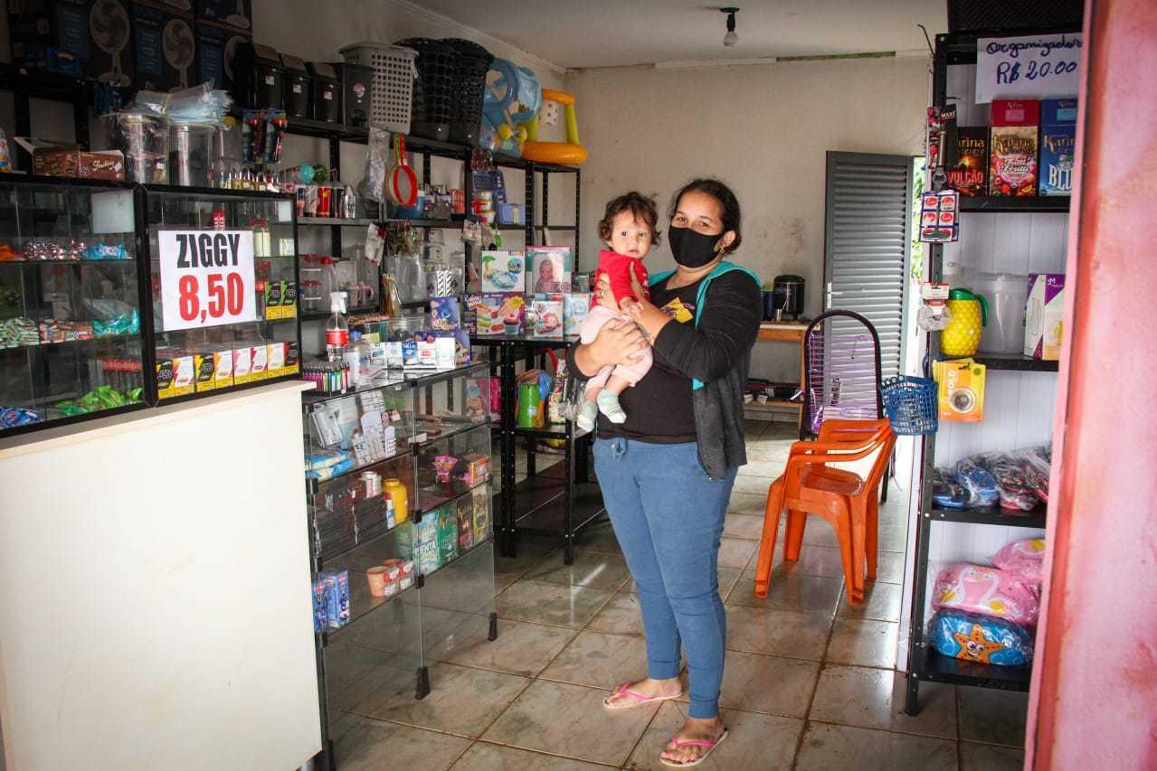 Na loja de utilidades, Elizângela vai fechar as portas e esperar o período vigente de decreto passar. (Foto: Henrique Kawaminami)