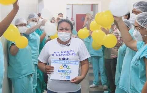Curada e na companhia da mãe, Bruna é 1ª paciente a voltar com vida para MS