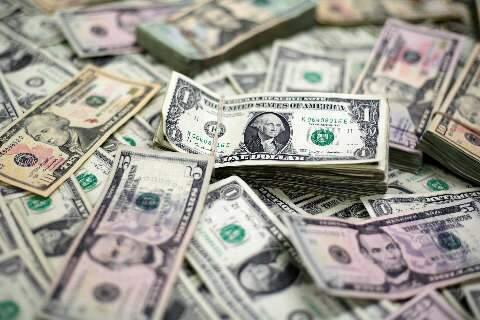 Dólar sobe 1,73% na semana, maior alta desde março
