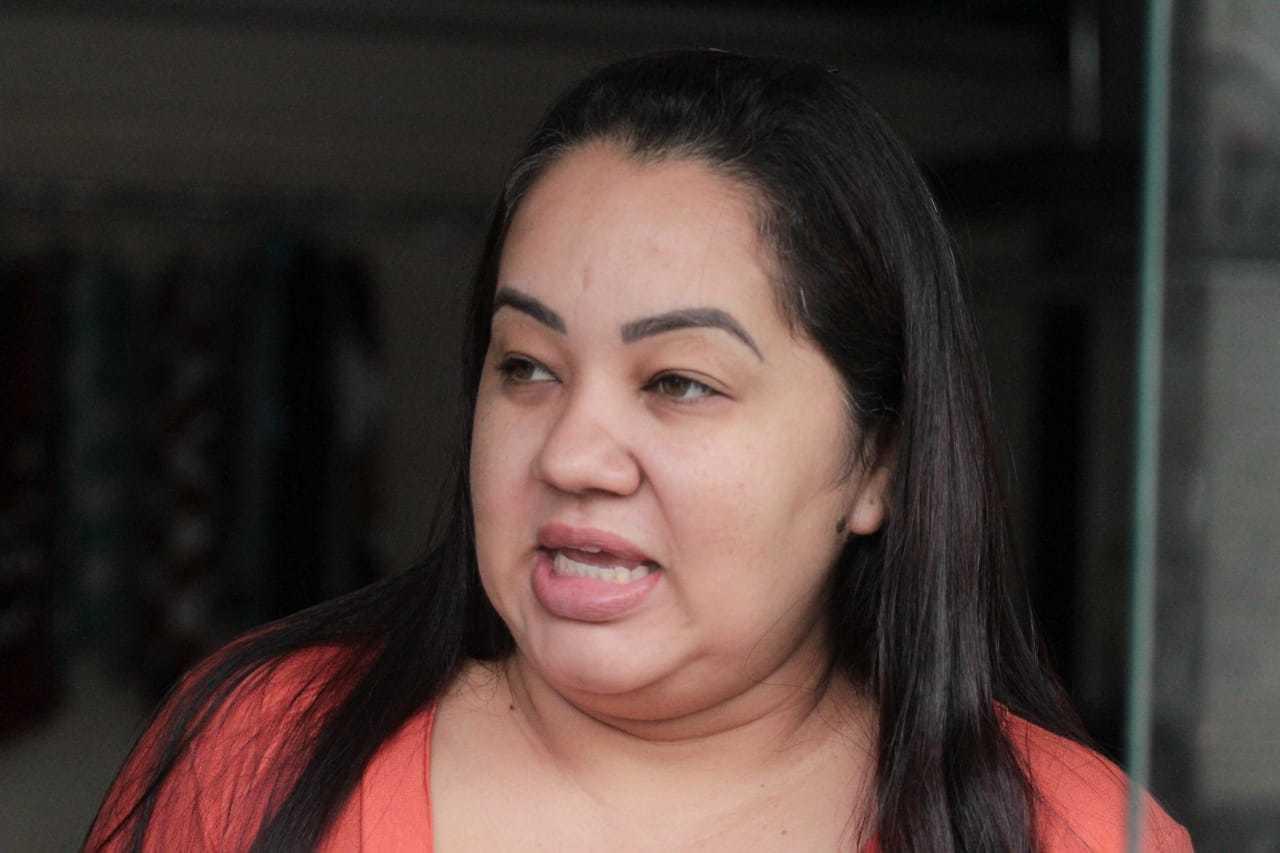 Dona de loja, Kety conta que a movimentação já caiu ontem, logo que o decreto foi publicado. (Foto: Marcos Maluf)