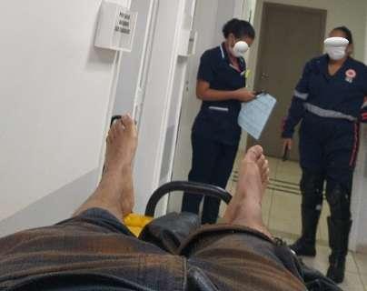 Vítima de acidente, rapaz denuncia ter sido barrado em hospital