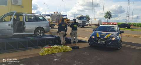 A caminho do DF, traficante levava 125 quilos de maconha sob lataria de Parati