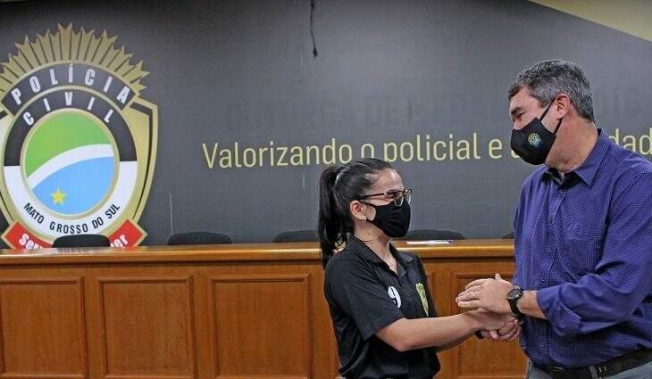 Secretário de Estado de Infraestrutura, Eduardo Riedel se reuniu com parte dos novos policiais na academia em Campo Grande, na sexta-feira (11) (Foto: Divulgação/Governo do Estado de MS)