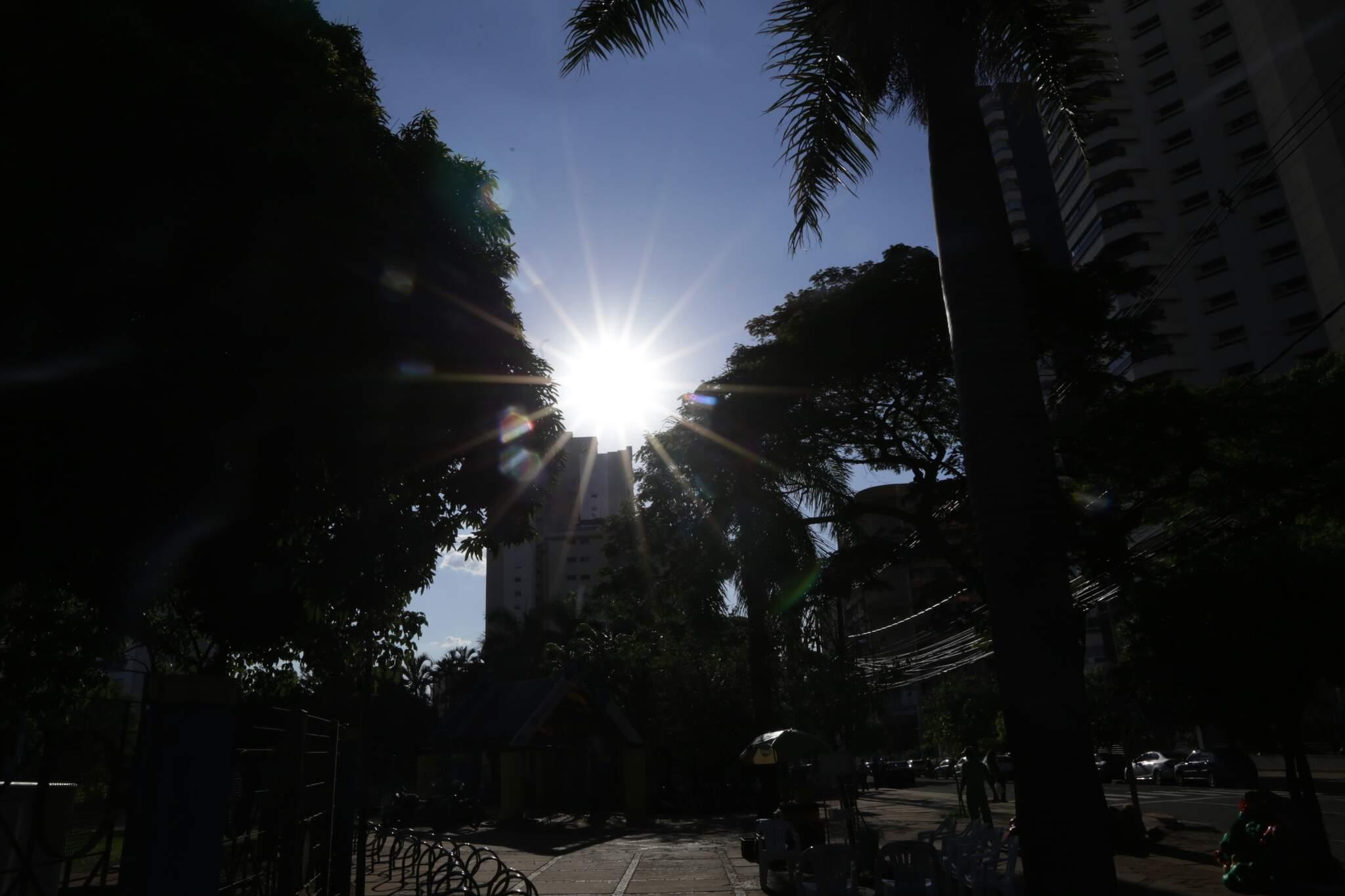 Previsão é de temperaturas máximas acima dos 32 graus, nos dias mais quentes (Foto: Kísie Ainoã)
