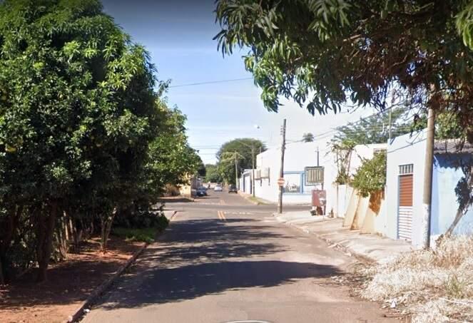 Assalto aconteceu na Rua São Ciro, no Bairro Caiçara (Foto: Google)