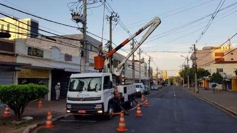 Concessionária vai interditar ruas no Centro para troca de cabos neste domingo