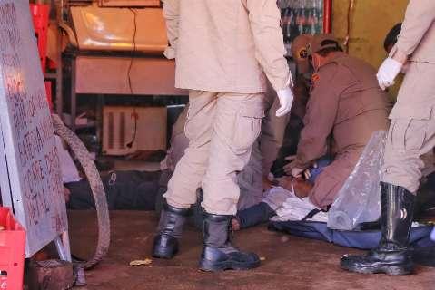 Comerciante morre na varanda de casa após meia hora de tentativa de reanimação