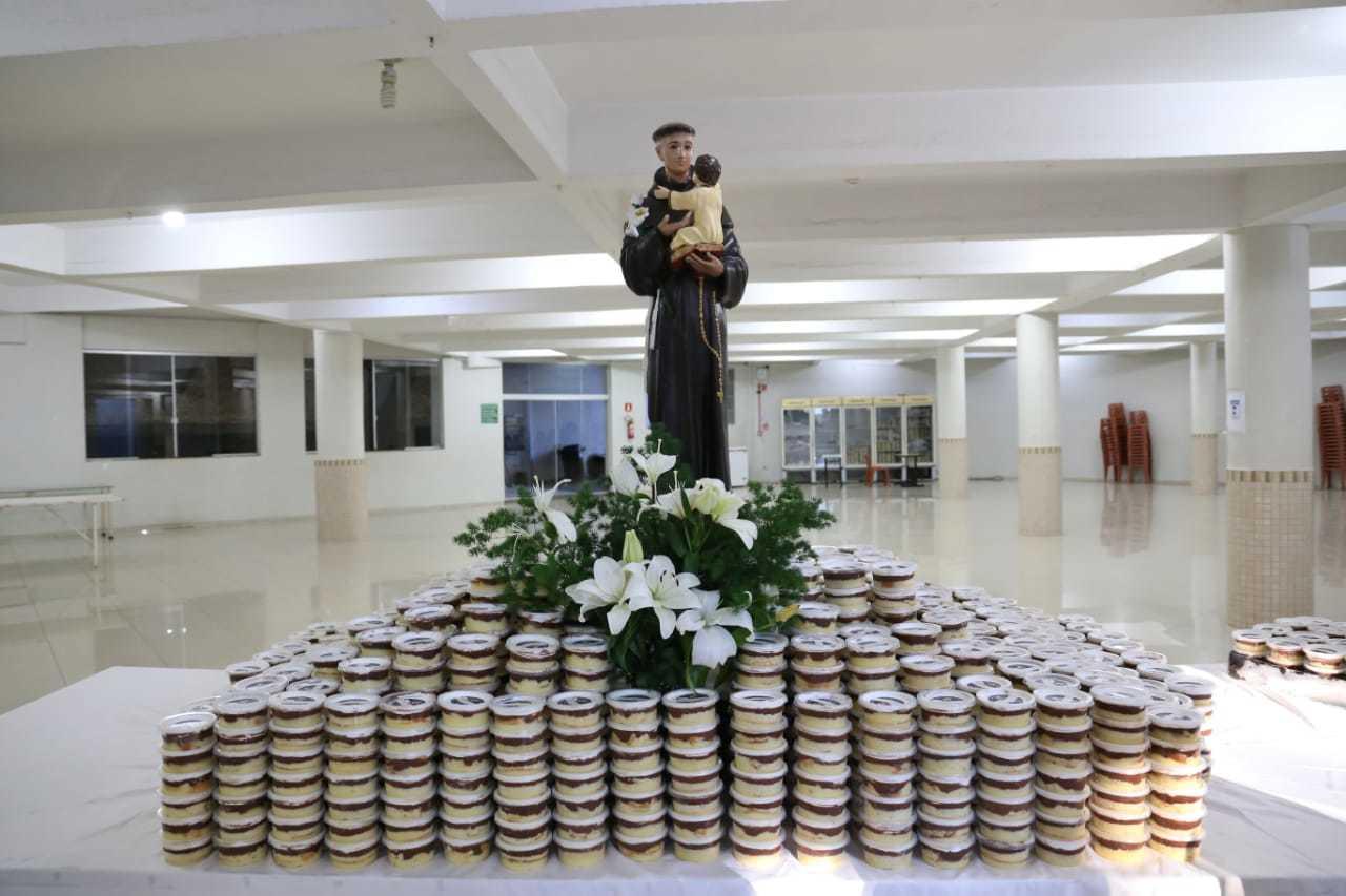 Unidades separadas para a comercialização; foi necessário produzir 1.250 potes extras para esse ano (Foto: Paulo Francis)