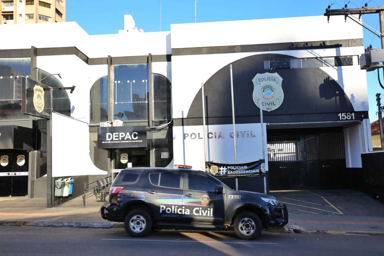 Caso foi registrado na Delegacia de Pronto Atendimento Comunitário, no Centro de Campo Grande (Foto: Paulo Francis)