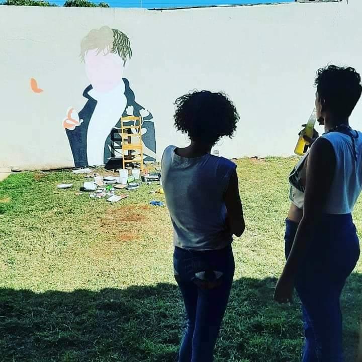 O encontro geracional de 2 artistas negras que resistem na cena